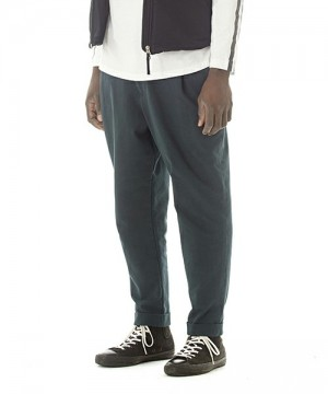 Knit Tuck Tapered Pants